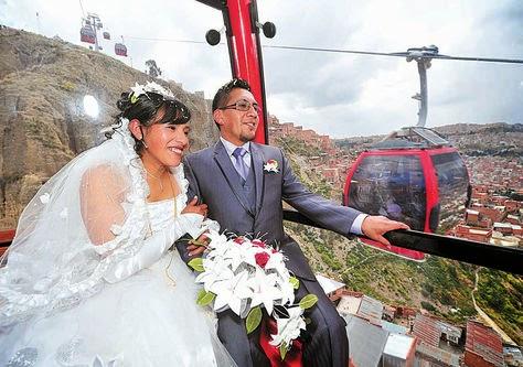 recien-casados-cambian-de-vida-en-mi-teleferico-1-1