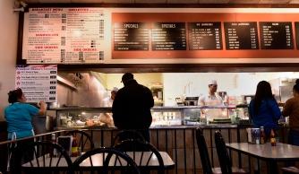 _dg45157_obama_restaurante