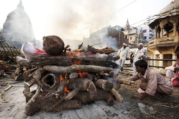 Ghats_de_Varanasi_3