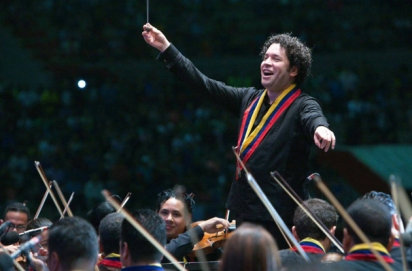 director-orquesta-gustavo-dudamel-10