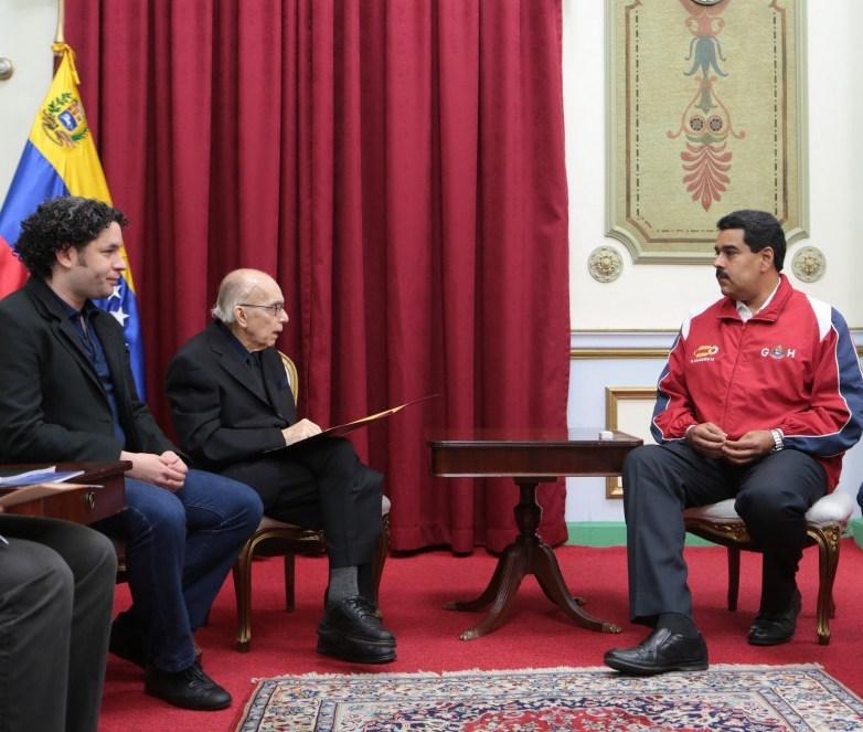 Encuentro-entre-Nicolas-Maduro-Maestro-Abreu-y-Gustavo-Dudamel-2-1000x666