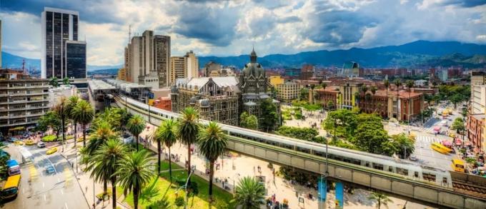 medellin-colombia-metro-square