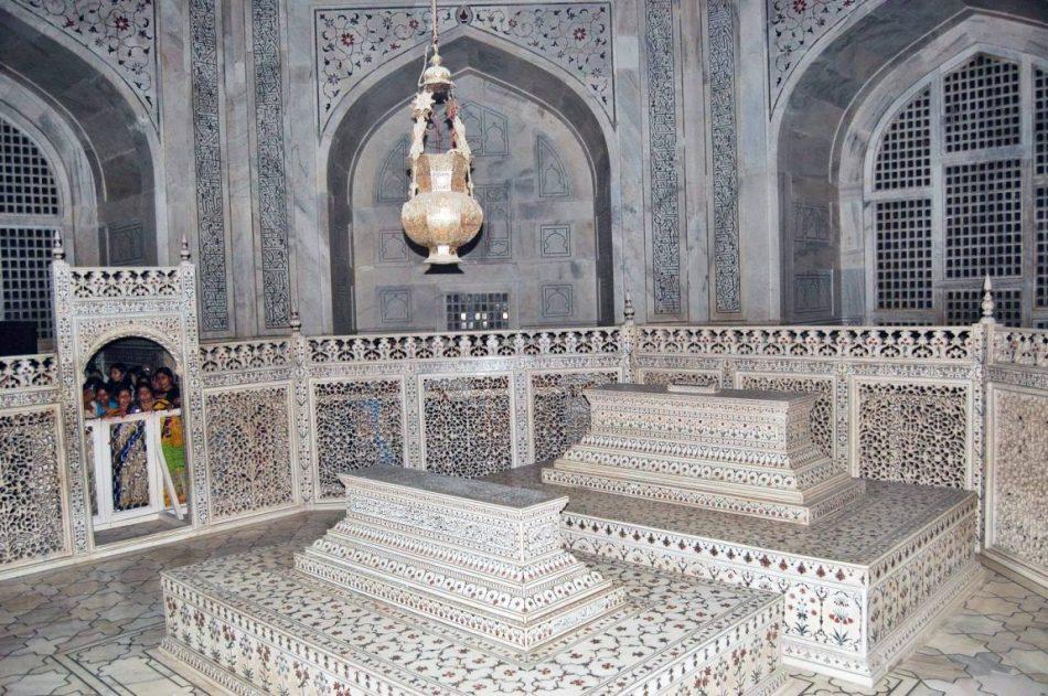 tumbas-taj-mahal-tanatori-esparreguera-funeraria-esparreguera-blog-1150x765